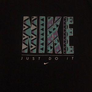 Nike T-Shirt Retro Design